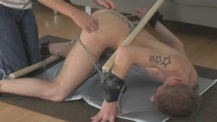 Tattooed lap gay gets eternally part of his body chained