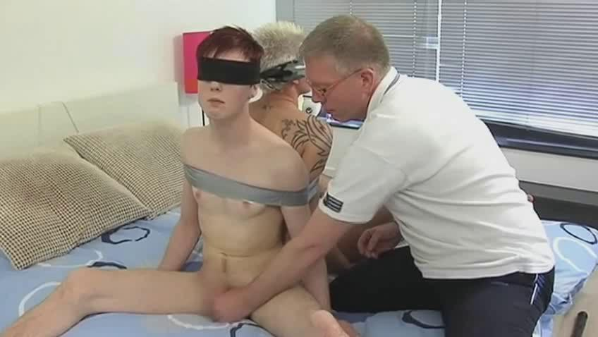 Mature cheerful daddy trammels two sex-crazed twinks together with suck their dicks