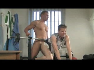 Young well-pleased ass fucked anent gym