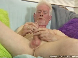 Horny superannuated grandpa gives himself a hot handjob