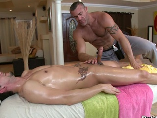 Cute massage supplicant is willing almost infect that thick pole obese dick!