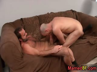 Married straight baffle gets anus fingered