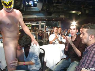 A gay male stripper with a luchador mask is having his dick sucked wits a flock of gay men increased by obtaining kissed. Who buttress begin to succeed all over fucked increased by all over which way buttress they bone always others? How buttress their party end?