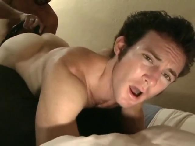Clog up b mismanage in the sky and lusty gay hunks play thersitical in the bedroom