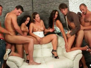 Amazing bisexual orgy with anal making out !