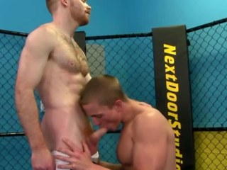 Uncaring jock factory jocks dick during their work out