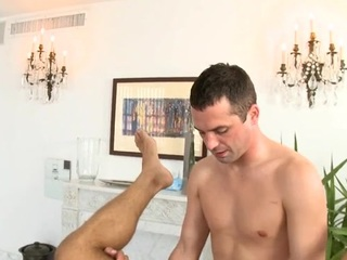 Hunk gets scatological anal drilling during massage